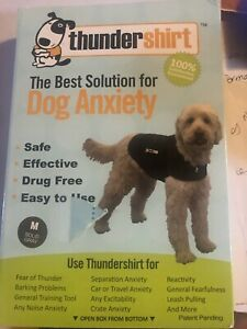 THUNDERSHIRT-DOG ANXIETY SHIRT-USED IN BOX STILL HAS THE PAPERS-SZ-MED-GRAY