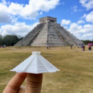 El Castillo, Kukulcan Pyramid - Mexico - Scaled 100% Accurate Model Diorama