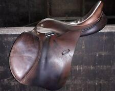 Eric Thomas La Boule 16'' leather Jump saddle Med with adjustable knee rolls