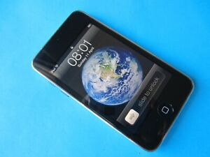 Apple iPod Touch 3rd Generation 32GB VGC 1500+ Songs Fast Free Delivery