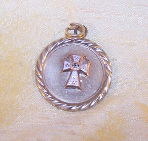 VINTAGE Sigma Chi fraternity member pin / badge on a gold-filled pendant OLD