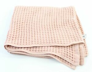 "CASALUNA Bath Towel NWT Waffle Knit 28"" x 56"" Heirloom Pink"