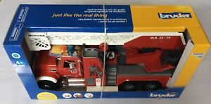 Bruder Mack Granite Fire Engine with Water Pump, Lights & Sounds 02821 NEW 1:16