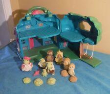 Vintage Li'l Woodzeez School House + Tidying Frog Family Whooswho Owl Hedgehog +