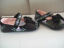 HAND PAINTED BABY GIRL'S  SHOES  SIZE 0-3 MONTHS  WITH PAINTED ROSES by Laurie