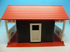 Scalextric A233 Rare Red French Batiment d'Entree, mint condition and boxed