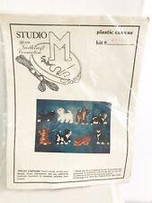 Vintage Studio M Plastic Canvas Cat And Magnet Crosstitch Kit