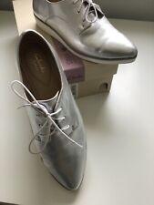 Clarks Ladies Size 5.5 D Fitting Sumerset Cressida Grace Silver Shoe NWOT