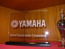 YAMAHA   ETCHED GLASS SIGN W/BLACK OAK BASE