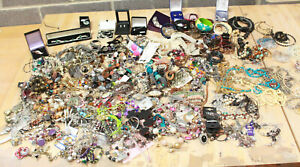 HUGE 10 KG Lot Costume Jewellery Brooches Necklaces Earrings Rings, Beads - 203