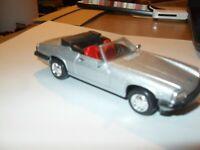 NEW RAY Diecast  Jaguar  XJ-S  V12  (1988)   1:43 SCALE