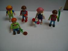 Playmobil: viele Kinder mit Zubehör