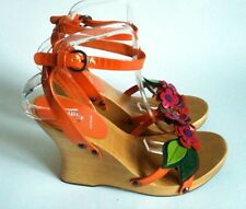 New MIU MIU WOODEN WEDGE SANDALS Floral Holiday Orange/Pink Patent Leather Sz 40