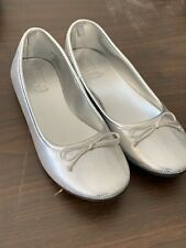 CRAZY 8 SHOES~Silver Pump Style~Flat Heel~Slip On Dress~Girls Size 4M