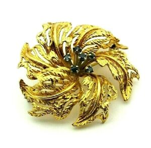 Ladies/womens very ornate 18ct gold flower design brooch set with sapphires
