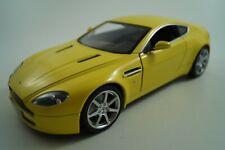 Hot Wheels Modellauto 1:18 Aston Martin V8 Vantage