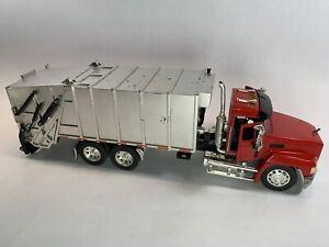 MACK Garbage Truck with Rear Fork * Read Description