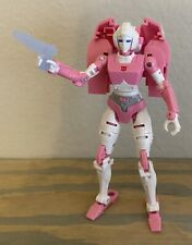 Transformers Generations War For Cybertron: Siege Deluxe Class Arcee