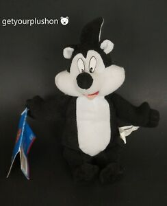 LOONEY TUNES PEPE LE PEW SKUNK BEANBAG PLUSH PLAY BY PLAY