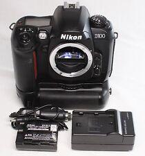 READ! Nikon D100 6.1 MP Digital SLR Camera Black Body w/ Battery Grip MB-D100