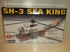 NEW U.S. NAVY SH-3 SEA KING HELICOPTER 1/72 SCALE MODEL KIT