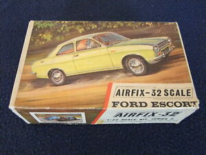 Airfix Ford Escort Mk 1 1:32 Scale Plastic Model Kit unmade in Box