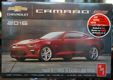 2016 CHEVROLET Camaro SS COUPE Red, 1:25, AMT 979 NUOVO 2016, new tool, NUOVO