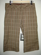 Heart & Soul Size 7 (34) Brown Plaid Cuffed Capri Pants Stretch 84-7984