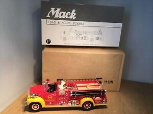 SHELL OIL 1960 MACK B-Model Pumper Fire Truck DIE CAST - FIRST GEAR 19-2295 1:34