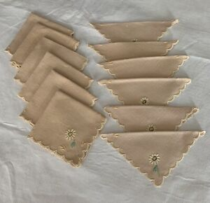Vintage Linen Scalloped Embroidered Cocktail Napkins Grandmillennial lot of 12