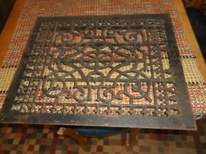 ANTIQUE ORNATE CAST IRON LARGE HOME AR INSTITUTIONAL GRATE NICE EARLY ART PIECE