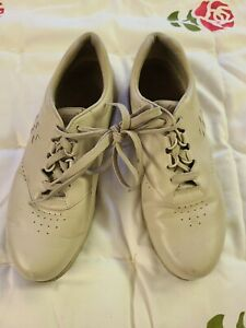 SAS Free Time Womens Comfort Walking Shoes Beige Leather Size 10 M