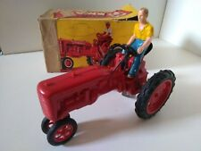 Jouef tracteur Farmall Case IH International Harvester mecanique pilote 1/12