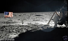 Photo Nasa Apollo 11 Neil Armstrong sur la Lune 1969 drapeau des Etats-Unis
