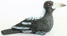 MAGPIE PAPERWEIGHT OR GIFT BEWITCHING BIRD LOOKALIKE REALISTIC LOOKING 150MM NEW