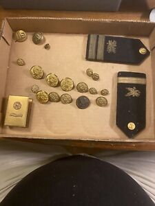 various vintage military insignia mostly US