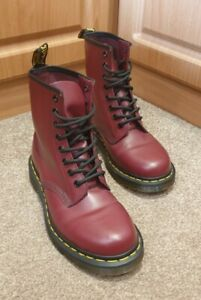 WORN ONCE! Dr Martens 11822 Smooth Cherry Red Leather Boots Size UK 5
