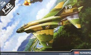 Academy Hobby 12294 USAF F-4C VIETNAMESE WAR 1/48