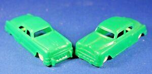 Plasticville - O-O27 - V-10 Vehicles - 2 Autos - Green  - Excellent Condtion