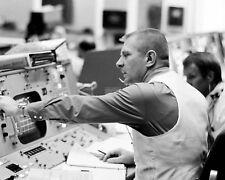 GENE KRANZ & GERALD GRIFFIN IN MISSION CONTROL APOLLO 16 - 8X10 PHOTO (ZZ-931)