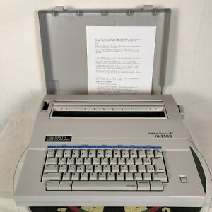 Smith Corona 5A XL 2500 Typewriter/Word Processor with Spell - Right Dictionary