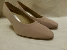 Bandolino Womens Shoes 8.5M Brown Tan Canvas Cloth High Heels Classic Pumps $72