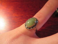 Schöner 925 Silber Ring Jugendstil Art Deco Markasit Cabochon Grün Jade ? Quarz?
