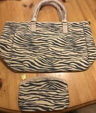 Ladies New ESTEE LAUDER Large Shopper/TOTE BAG & Zipped MAKEUP CASE Animal Print