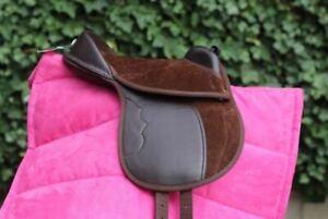 Cub Saddle Set Inc Saddle Girth Saddle Cloth // Numnah Stirrups /& Leathers.