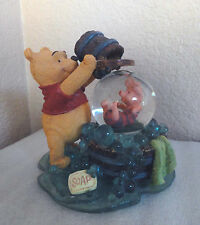 "WINNIE THE POOH ""FRIENDS HELP YOU"" DISNEY GLITTER SNOW GLOBE FIGURINE"