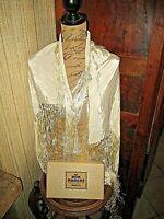 Ancien châle couleur ivoire avec fils de soie-Au Bon Marché-A.Boucicaut-Paris