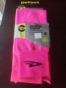 DeFeet Armskins Neon Pink SM/MD. Brand new
