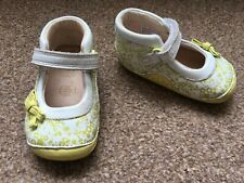 Girls Clarks First Shoes White Green Floral Bow Size 3G Hook & Loop Fasten SB11