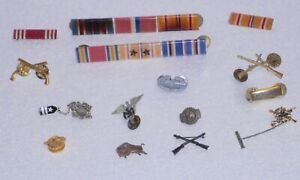 military pins and ribbons WWII KOREA VIETNAM MIXED LOT OF 15 ITEMS U.S.A LOOK